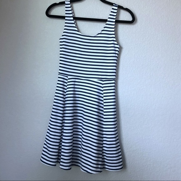 H&M Dresses & Skirts - NWT/ H&M Navy blue/white Striped dress/ size 2